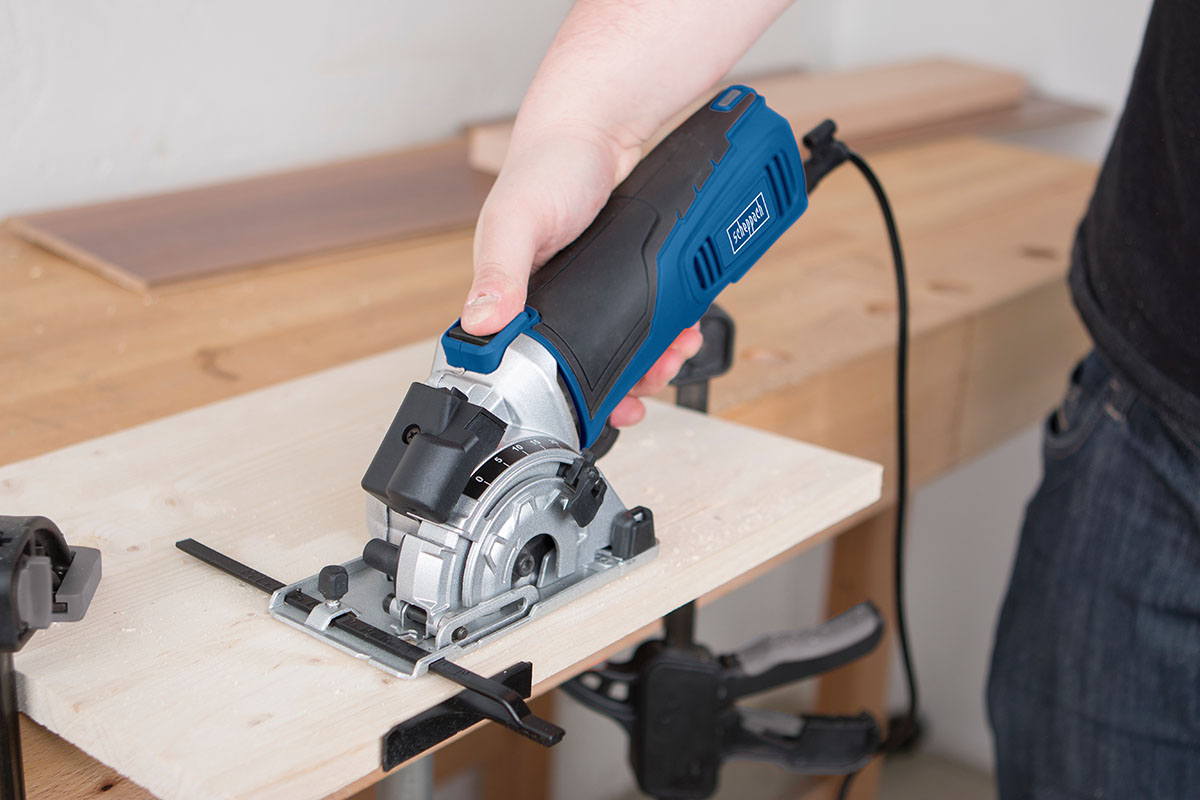 plunge circular saw with guide rail