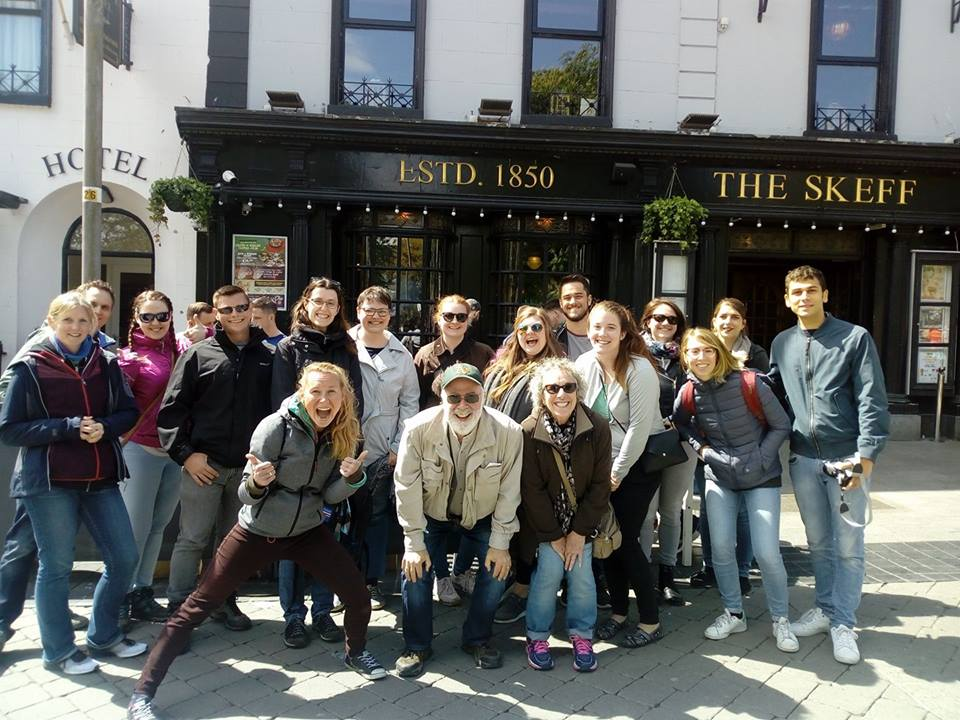 tipping in ireland tour guide